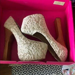Brand new in box Dolce Vita heels white crochet